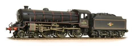 bachmann-31716a-class-b1-no-61076-br-lined-black-late-crest-weathered-oo-gauge
