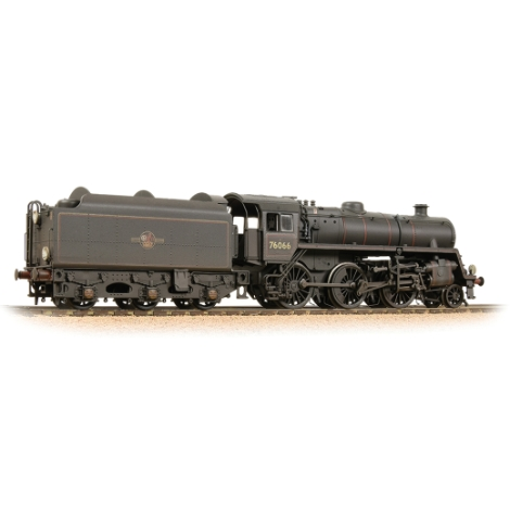 bachmann-32956-br-standard-4mt-with-br1b-tender-76066-br-lined-black-late-crest-weathered-00-gauge