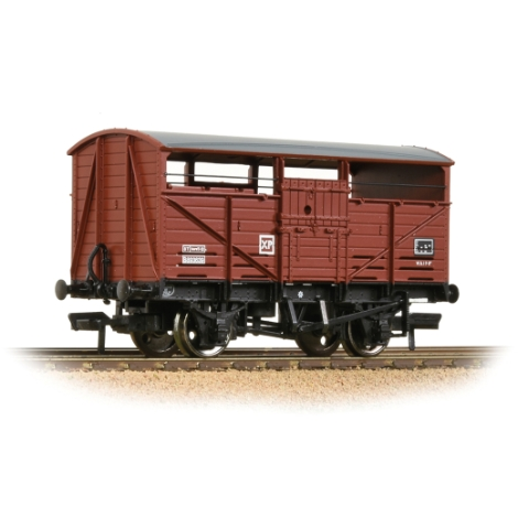 bachmann-37712d-8t-cattle-wagon-br-bauxite-late-00-gauge