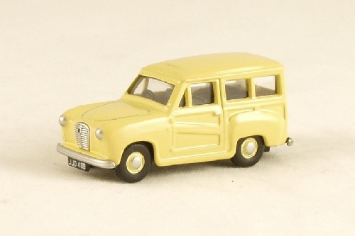 classix-em76858-austin-a30-estate-cream-oo-gauge