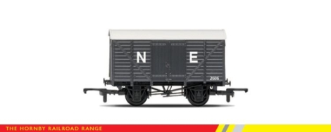 hornby-r6422-box-van-ne-grey-oo-gauge