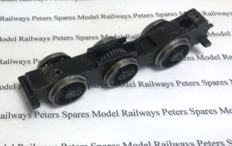 hornby-x9581-used-060-chassis-block-with-silver-rimmed-wheels-axles-worm-wheel-28t-plastic