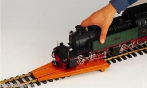 lgb-10020-loco-rerailer-for-g-1-gauge