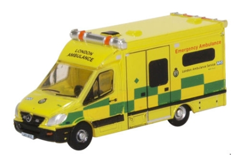 oxford-diecast-nma002-mercedes-ambulance-london-n-gauge