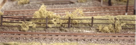 ratio-217-lineside-fencing-wood-brown-n-gauge