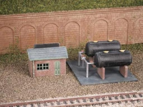 ratio-228-oil-depot-plastic-kit-n-gauge