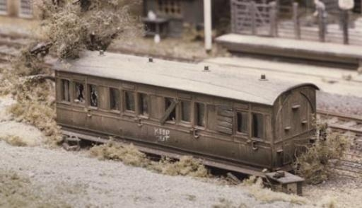 ratio-501-grounded-coach-body-plastic-kit-oo-gauge