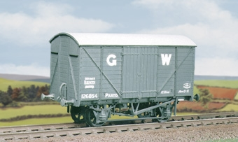 ratio-565-gwr-12-ton-ventilated-box-van-mw-plastic-kit-oo-gauge