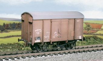ratio-593-srbr-12t-box-van-with-plywood-sides-mw-bb-plastic-kit-oo-gauge