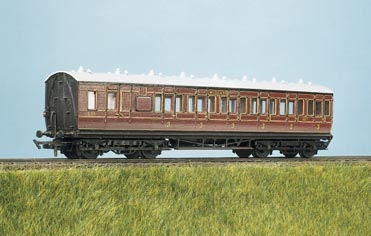 ratio-713-lms-ex-mr-48ft-suburban-brake-3rd-4-composite-coach-plastic-kit-oo-gauge