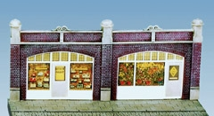 wills-ss18-station-forecourt-shops-inc-printed-interiors-plastic-kit-oo-gauge